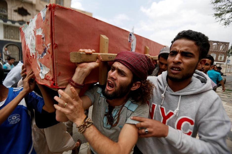 بمباران هوائی یمن توسط نیروهای مشترک ارتش امریکا و عربستان سعودی